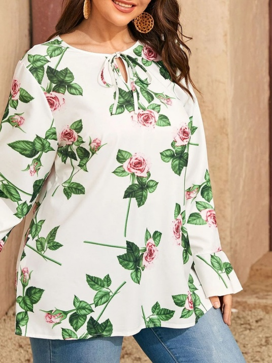 Блуза с връзки в нежна щампа