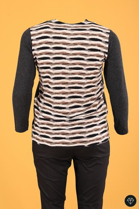 Топла блуза в кафяви шарки снимка 1